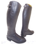 Boots in first quality leather with posterior hinge . Available every measure and there are three measure of calf.